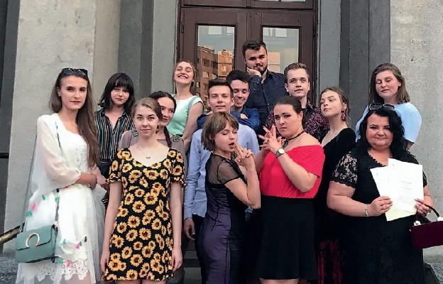 Młodzi adepci sztuki aktorskiej