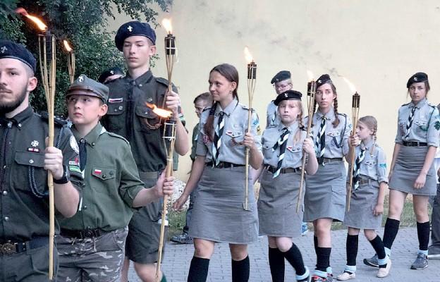 W Moszczenicy nie zabrakło także harcerzy
