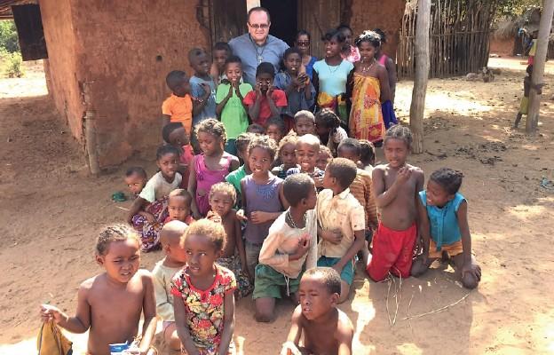 Archidiecezja szczecińsko-kamieńska podarowała szkołę i kościół dla Madagaskaru