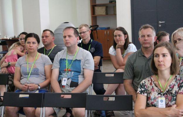 Konferencja przed spotkaniami w kręgu
