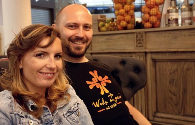 Mariola i Michał Golańscy z warszawskiej wspólnoty Woda Życia kilka lat temu zawierzyli swoje życie Maryi
