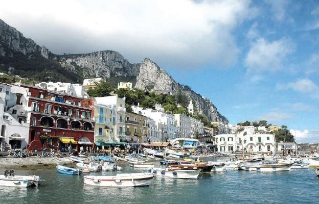 Marina Grande – pierwsze zetknięcie z włoską wyspą Capri