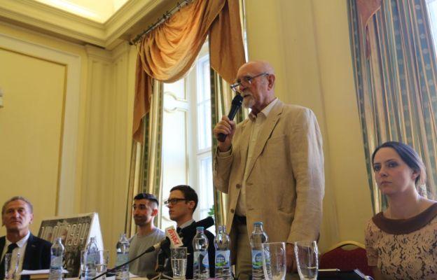 Konferencję poprowadził Stanisław Srokowski - świadek Rzezi Wołyńskiej.