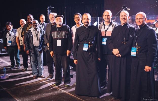 O. Louis Lougen OMI wraz z całą Radą Generalną