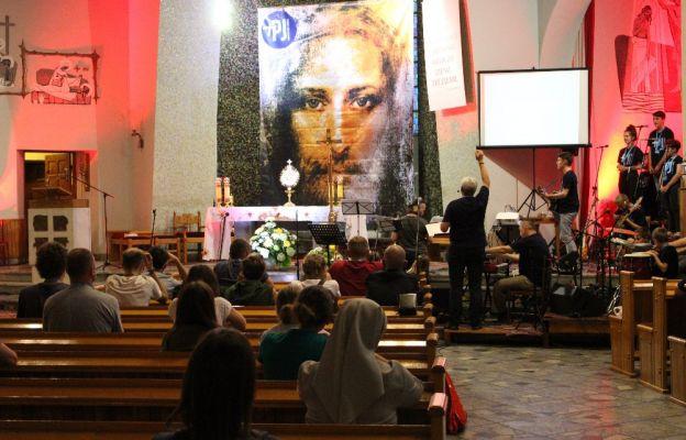 Nabożeństwo pokutne w kościele NMP Matki Kościoła w Kostrzynie n. Odrą