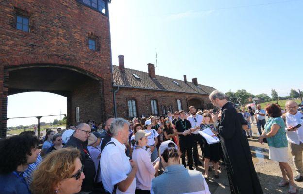 Droga Modlitewna w byłym obozie Auschwitz II-Birkenau