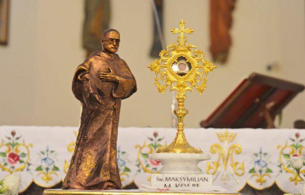 Relikwie św. Maksymiliana Marii Kolbego w kościele patronalnym na Gądowie