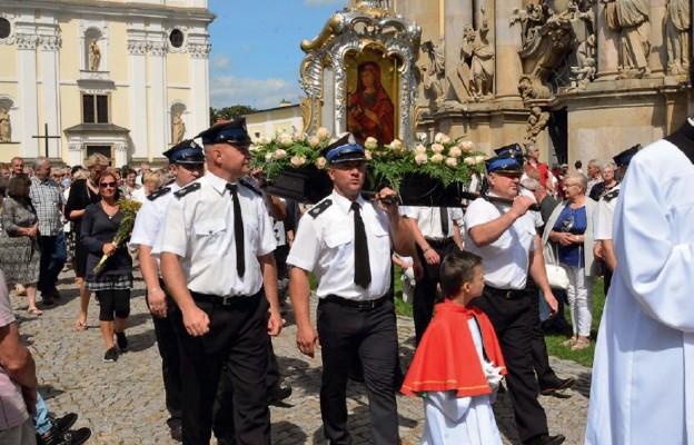 Tłumy wiernych na odpuście krzeszowskim