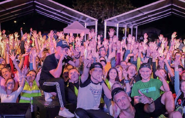 Podczas koncertu zespołu Muode Koty