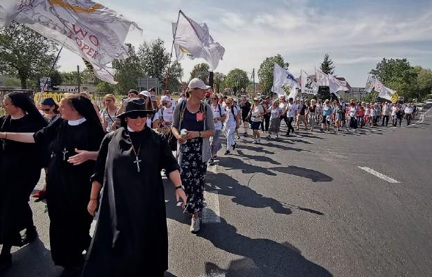 W pielgrzymce do myśliborskiego Źródła Miłosierdzia