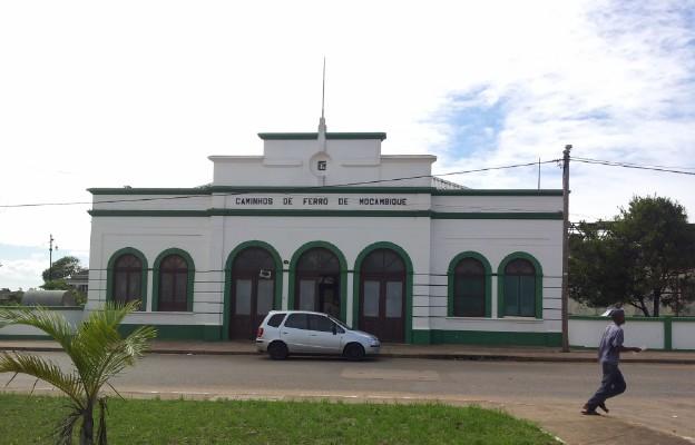 Mozambik. Dworzec kolejowy w Xai-Xai