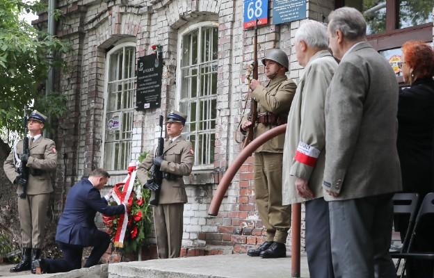 Prezydent RP złożył wieniec przy budynku b. Sowieckiego Trybunału Wojennego, prokuratury i NKWD na warszawskiej Pradze