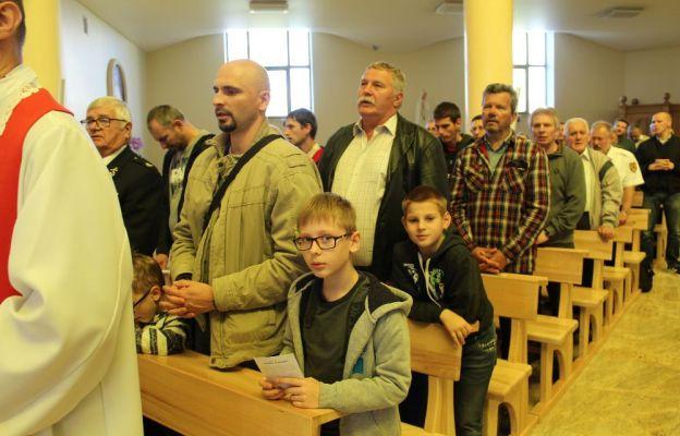 W pielgrzymce uczestniczyli nie tylko dorośli, ale również ci nieco młodsi mężczyźni