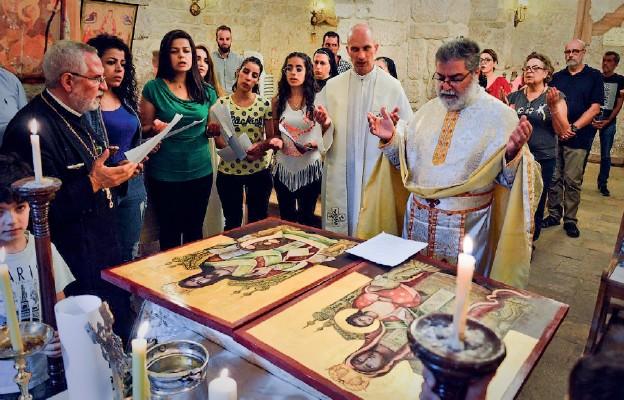 Uroczystość przekazania ikon do świątyni w Malul