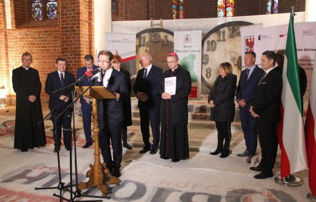 W spotkaniu uczestniczył m.in. bp Tadeusz Lityński, ks. kan. Wojciech Jurek, wojewoda lubuski Władysław Dajczak i europoseł Elżbieta Rafalska