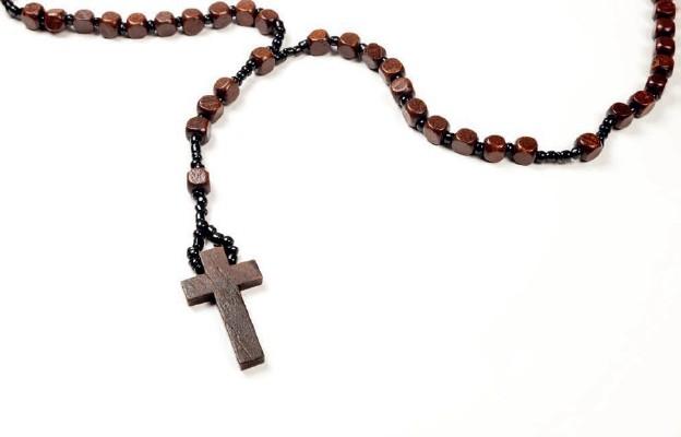 Broń w ręku katolika