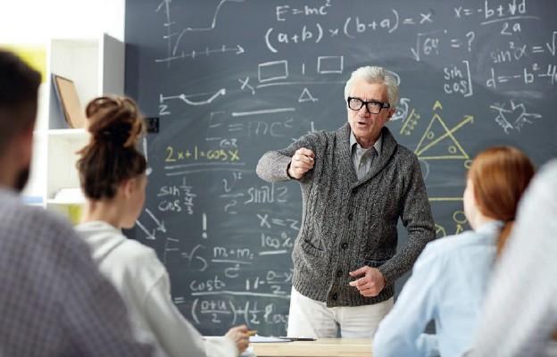 Projekt rozporządzenia o podwyżkach dla nauczycieli skierowany do konsultacji