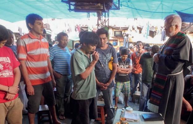Pochodzący z Międzyrzecza o. Jan Kukla odprawia Mszę św. dla więźniów w boliwijskim Montero