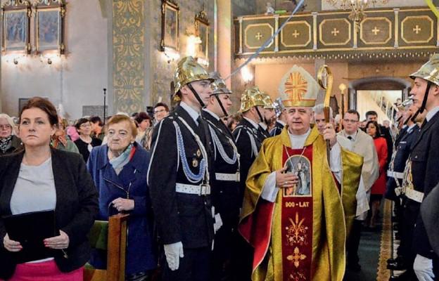 Dziewięć wieków parafii w Lisowie
