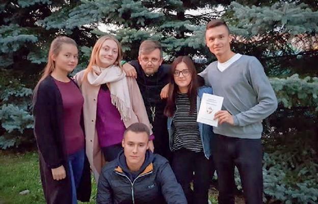 Młodzi dla młodych