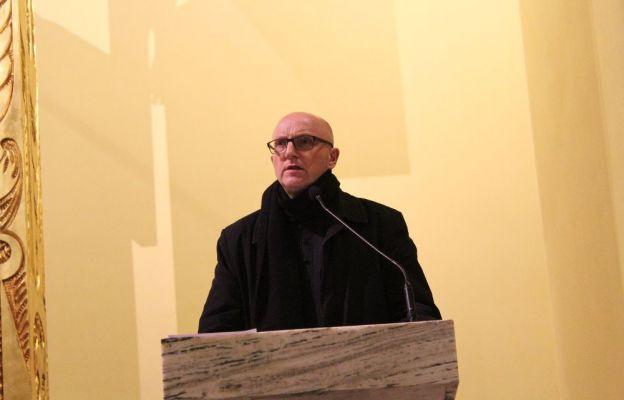 Ks. Andrzej Ziombra przedstawił faktografię oraz swoje refleksje nt. Cudu Eucharystycznego w Legnicy
