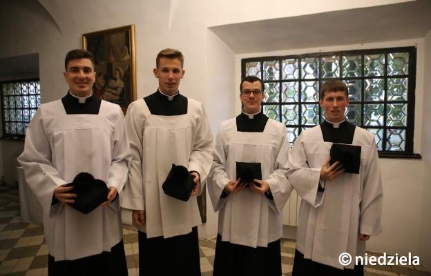 Strój duchowny przyjęli: Dawid Łyko, Mateusz Wermiński, Dawid Wieczorek, Piotr Żurawski
