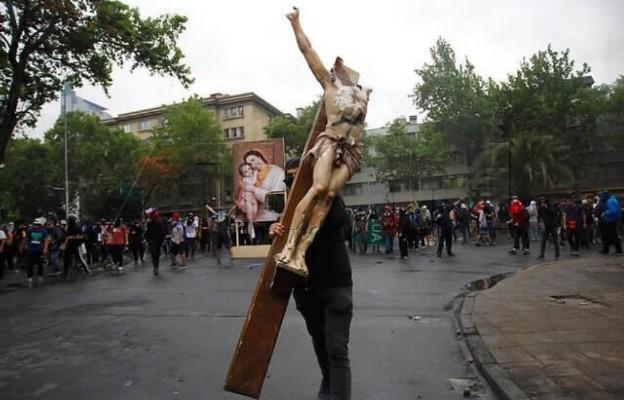 Zdewastowano Kościół w Chile