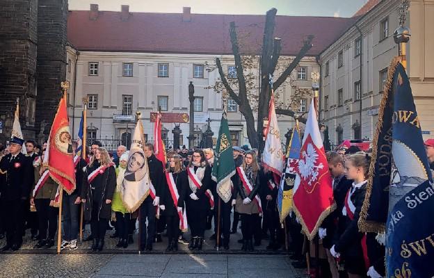 Wspierajmy Polskę modlitwą