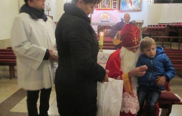 Wieluńscy podopieczni Betel rozpoczęli Adwent i spotkali się z Mikołajem