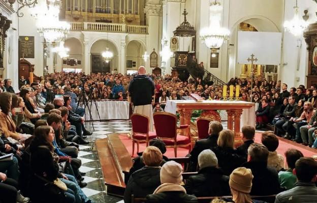 Czy warto być w Kościele?