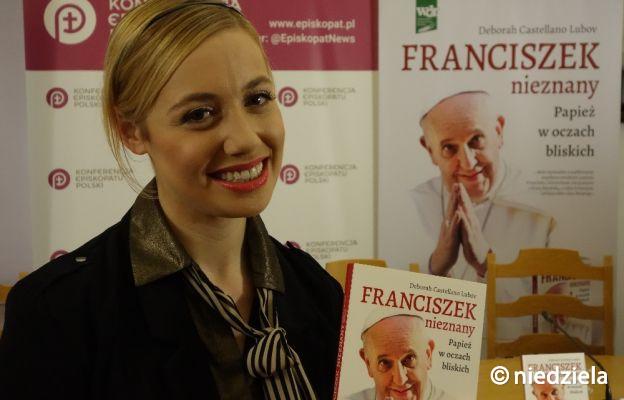 """Zaprezentowano w języku polskim książkę """"Franciszek nieznany. Papież w oczach bliskich"""""""