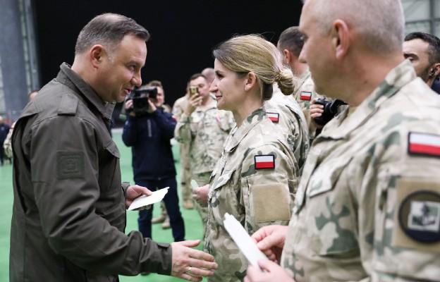Para Prezydencka z wizytą u polskich żolnierzy na Sycylii