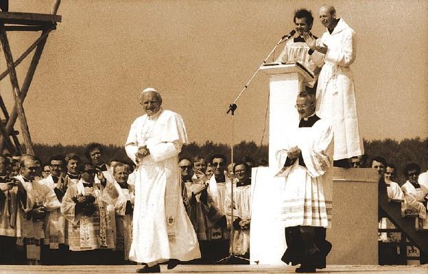 Papieskie Proroctwo Gałczyńskiego Niedzielapl