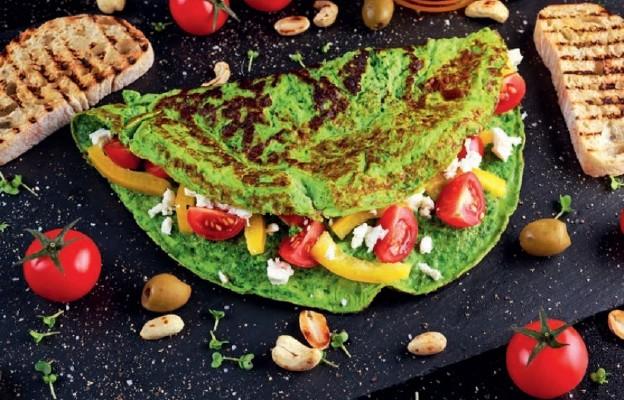 Zielony omlet z sałatką