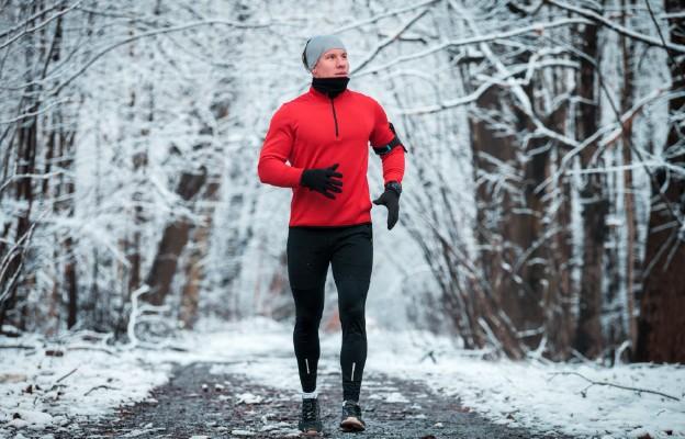 Jak uprawiać sport w zimie, aby uchronić się przed wychłodzeniem