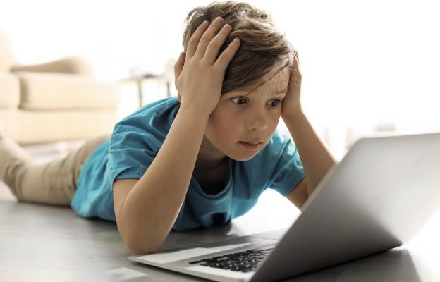 Jak chronić dzieci przed pornografią?