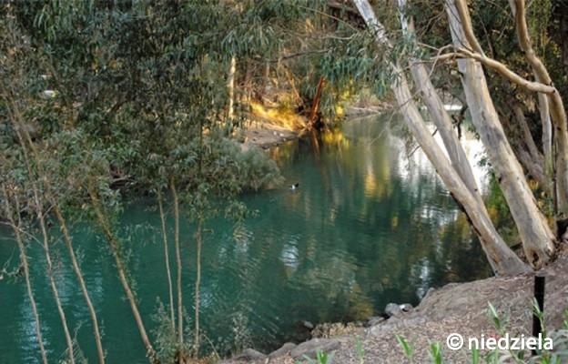 To w Jordanii Jan ochrzcił Jezusa