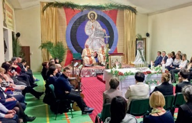 Uroczysta Liturgia Paschalna wspólnot neokatechumenalnych w Sokołowie Podlaskim