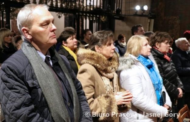 Pracownicy hospicjów i Wadowiczanie na modlitwie z Janem Pawłem
