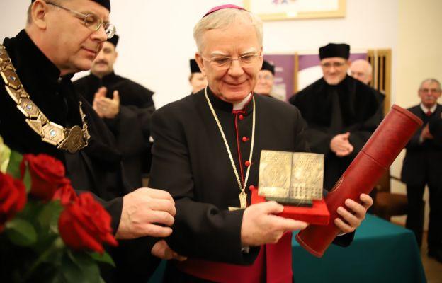 KUL: Abp Marek Jędraszewski laureatem nagrody im. kard. Wyszyńskiego