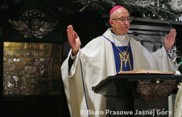 Nowy biskup pomocniczy diecezji ełckiej modli się na Jasnej Górze