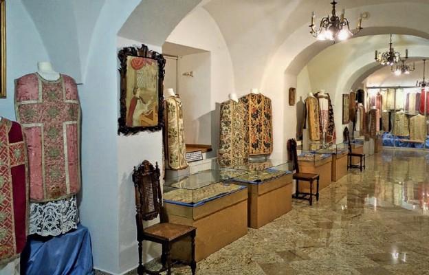 Ornaty w drohiczyńskim Muzeum Diecezjalnym