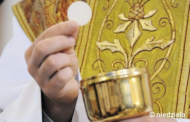 Komu można odmówić Komunii św.?