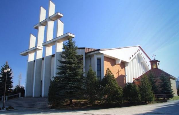 Diecezja radomska: satanistyczny symbol na kościele w Końskich