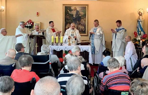 Mszy św. w Jeleniej Górze przewodniczył bp Marek Mendyk