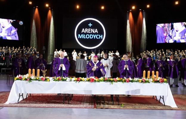 Arena Młodych 2020 - eucharystia w drugim dniu.