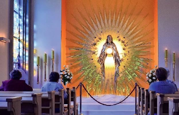 Specjalne modlitwy uwolnienia z ciężaru winy po grzechu aborcji będą odmawiane przed Najświętszym Sakramentem