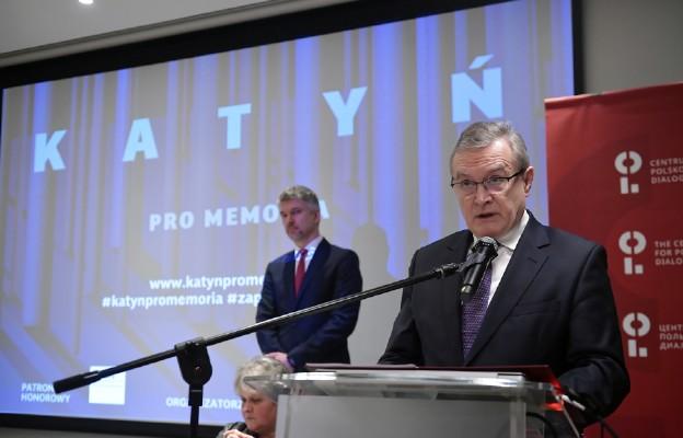 Gliński: Rosja nadal utajnia nazwiska sprawców zbrodni katyńskiej