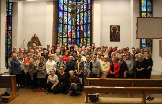Uczestnicy rekolekcji Caritas w Głogowie