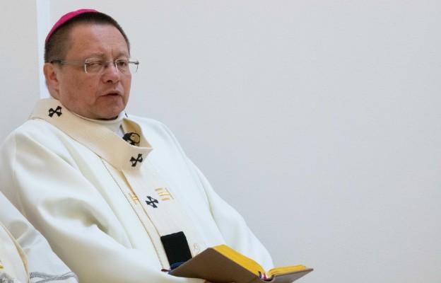 Abp Ryś: proszę o wzmożenie modlitw o ustanie pandemii koronawirusa